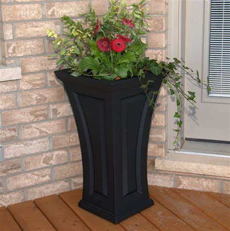 Garden Decoration Pots by Decor Fabulous Planters For Cool Garden Decoration