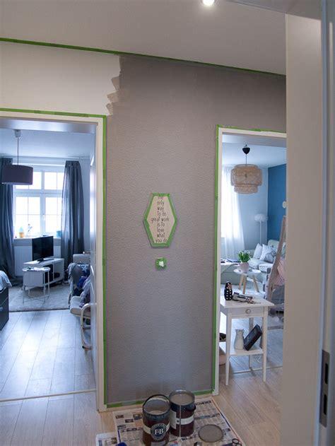 2 Wände Farbig Streichen Welche by Haus Streichen Welche Farbe Fassade Streichen With