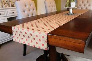 Simple Christmas Decor: Burlap Table Runner & Bay Leaf