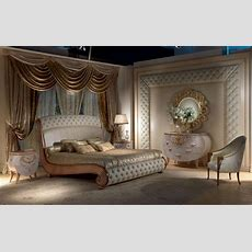 Bed In Solid Wood, Gold Leaf Decorations, Quilted Idfdesign