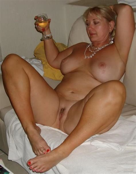 Hot Mom » Amateur In Action