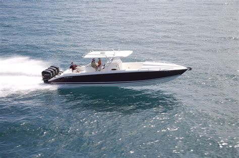 Midnight Express Boats Cabin by Research 2010 Midnight Express 39 Cuddy On Iboats