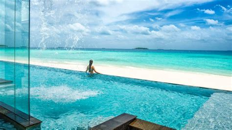 seasons resort maldives  landaa giraavaru hotels