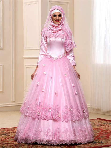 gaun pengantin warna pink  cantik  menawan