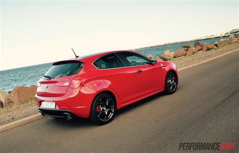 2015 Alfa Romeo Giulietta Qv Review (video) Performancedrive