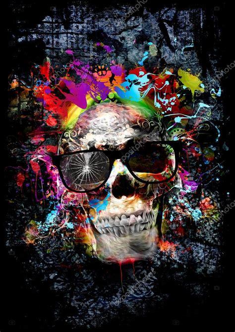 Fotos de Cráneo sobre fondo de color Imagen de