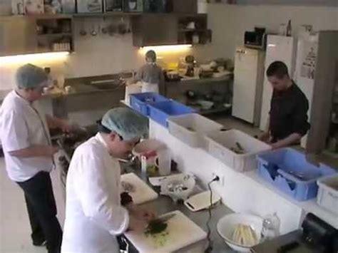 commi de cuisine commis de cuisine et salle wmv