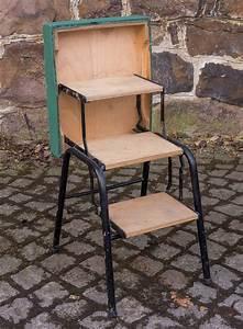 Möbel 60er 70er : alter gr ner hocker treppe leiter klappleiter tritt m bel 60er 70er jahre ebay ~ Markanthonyermac.com Haus und Dekorationen