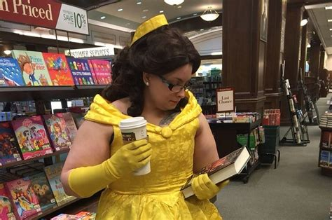 working at barnes and noble 23 secrets barnes and noble employees will never tell you