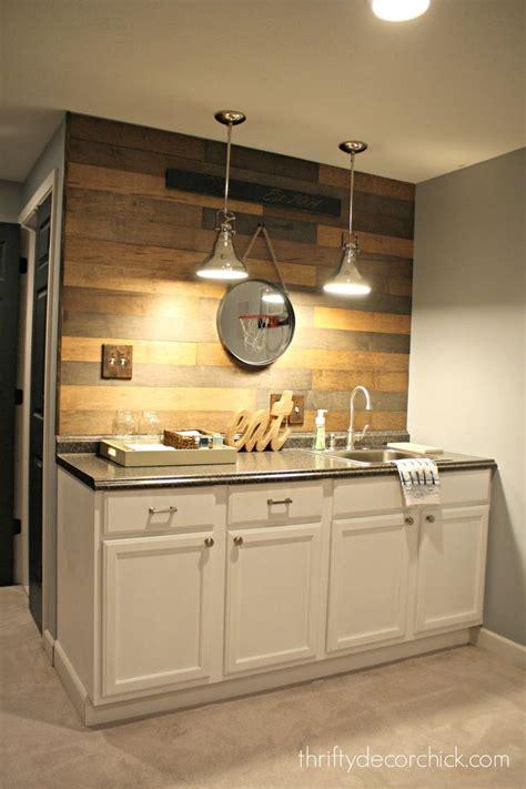 Basement Bar Sink by Best 25 Basement Kitchenette Ideas On Built