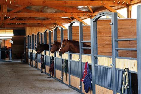 porte de box fa 231 ades de boxes chevaux quel mod 232 le choisir doitrand equestre