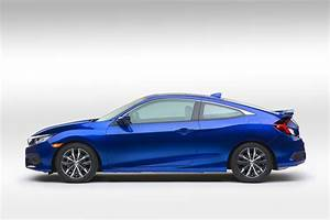Honda Civic Coupé : 2016 honda civic coupe revealed with bigger cabin turbo engine autoevolution ~ Medecine-chirurgie-esthetiques.com Avis de Voitures