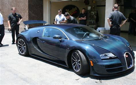15 Luxuries Only Bugatti Veyron Owners Would Understand