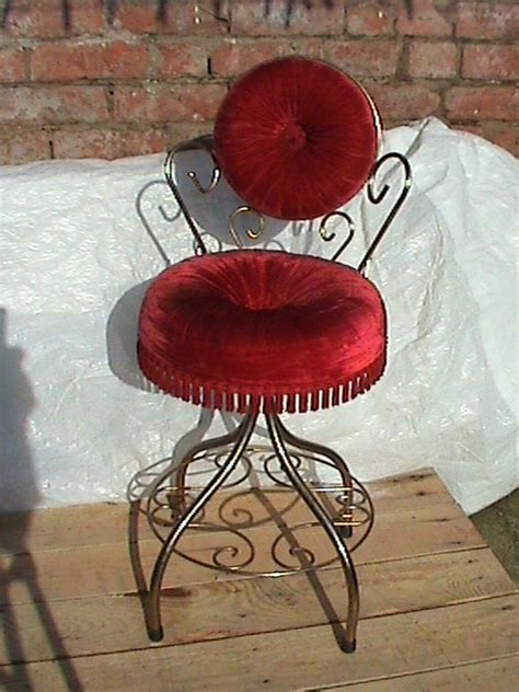 Vintage Retro 1960s French Style Deep Red Boudoir Bedroom
