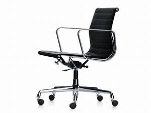 Buy the Vitra Eames EA 117 Aluminium Chair at Nest co uk