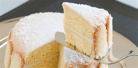 une jatte en cuisine gâteau moelleux imbibé à la noix de coco facile et pas