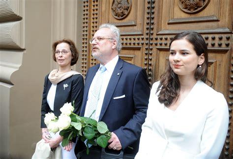 Kas ir jaunā Latvijas prezidenta Egila Levita sieva Andra ...