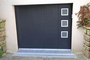 pose d39une porte de garage alu automatique a milizac mvm With porte d entrée alu avec dalle liège sol salle de bain