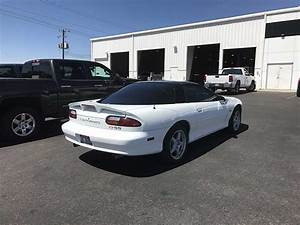 4th Gen White 1999 Chevrolet Camaro Ss 6spd Manual For