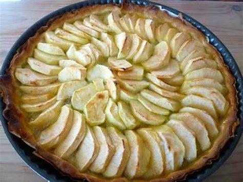 temps de cuisson tarte aux pommes pate brisee recette de tarte aux pommes et 224 la rhubarbe
