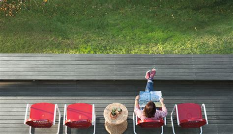 choosing the best deck paint colors to compliment your home exterior