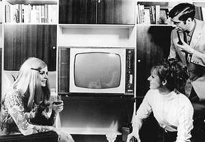 Fernseher In Weiß : color 20 wikipedia ~ Frokenaadalensverden.com Haus und Dekorationen