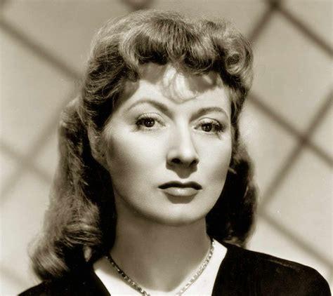 1940s Pompadour Hairstyle by 1940s Pompadour Hairstyle Fade Haircut