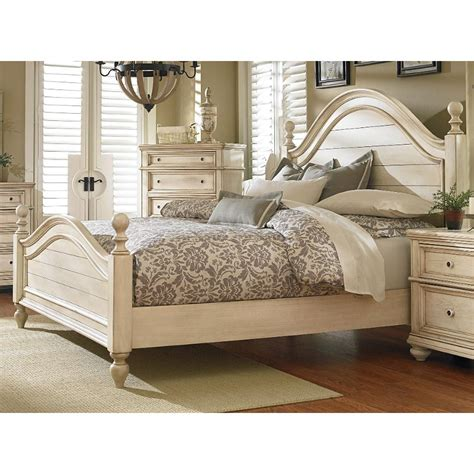 Heritage Antique White Queen Bed