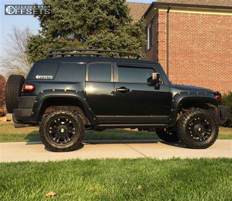 toyota cruiser lifted 2007 toyota fj cruiser xd monster rough country suspension