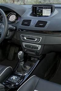 Renault Megane Akaju : fiche technique renault megane iii b95 1 2 tce 130ch bose edc euro6 2015 l 39 ~ Gottalentnigeria.com Avis de Voitures