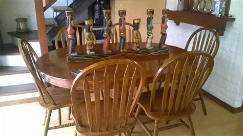 juego comedor madera dura  sillas usado como nuevo divino
