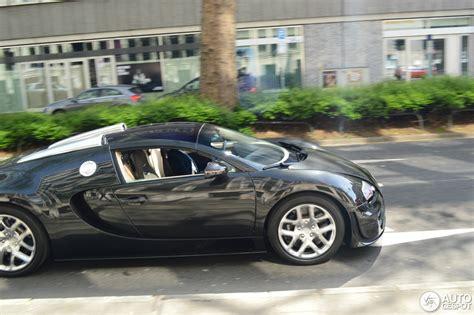 Bugatti veyron grand sport vitesse, 2014. Bugatti Veyron 16.4 Grand Sport Vitesse - 24 April 2015 - Autogespot