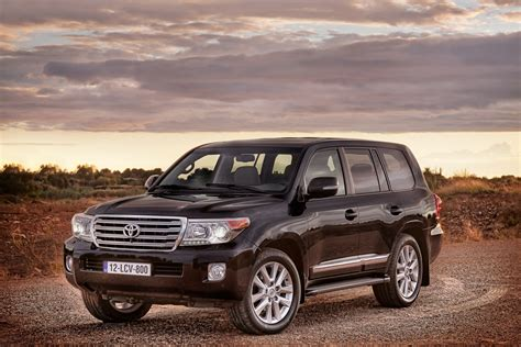 Toyota Land Cruiser Picture by 2013 Toyota Land Cruiser Front Quarter View Copyright