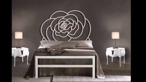 idee deco chambre a coucher lits modernes en métal idées pour la décoration chambre