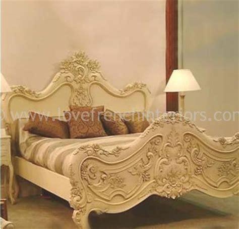 baroque carved bed kingsize