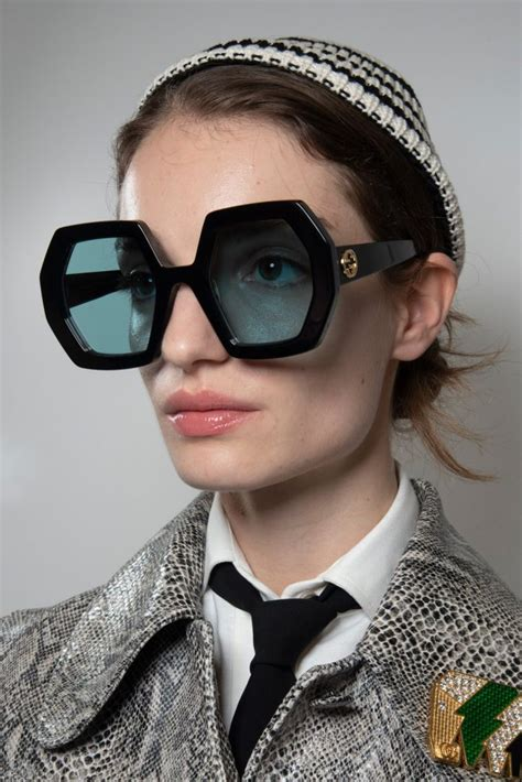 gucci spring fashion show backstage eyewear