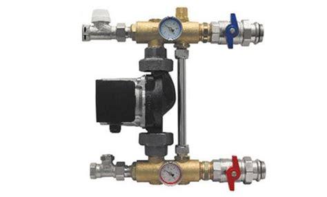 Niedertemperatur Fußbodenheizung festwertregelset fwr premium mit hocheffizienz pumpe