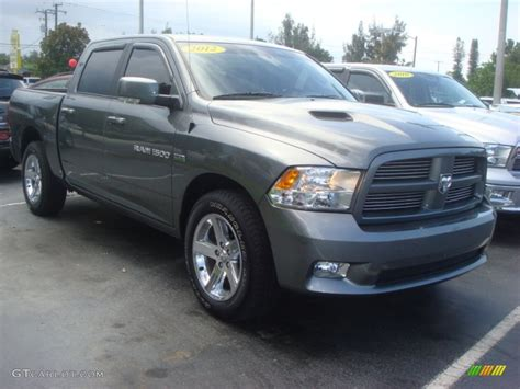 Dodge Ram 1500 Black Express   2017   2018 Best Cars Reviews