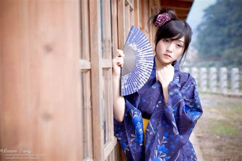 Reona Satomi少女