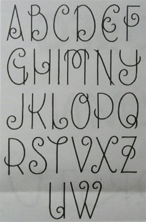 sierlijke letters belettering letters alfabet lettertype alfabet