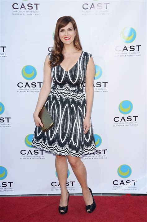 sara rue early years actress sara rue opens up about her struggles with weight loss