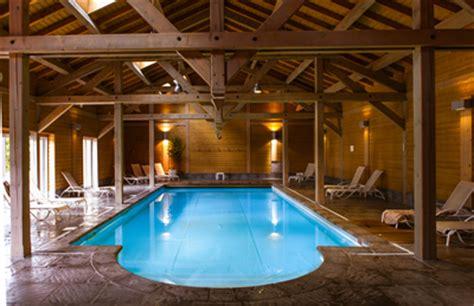 hotel en alsace avec dans la chambre hôtel avec piscine spa proche de gerardmer les jardins