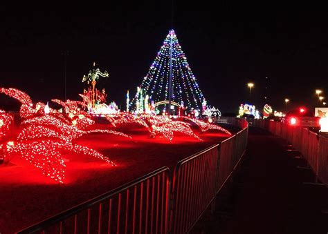 12 Of The Best Christmas Lights Displays In Texas