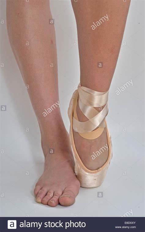 fuesse einer ballerina eins mit einem ballett pointe schuh