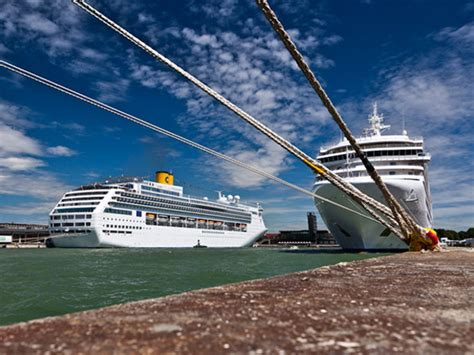 Porto Di Venezia by Passeggeri Porto Di Venezia