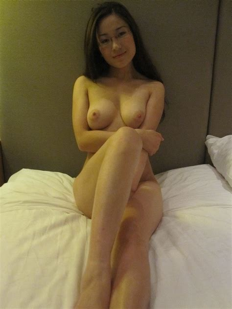 Sexy And Very Cute Asian Girlfriend Posing For Her