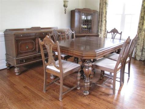 Rockford Furniture Company Dining Room Set Antique