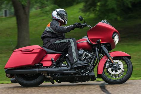2019 Harley-davidson Road Glide Special Review (15 Fast Facts