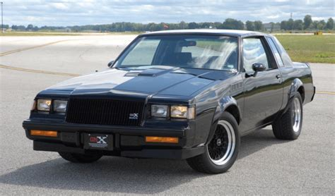 grand national gnx  sold heads  auction gm