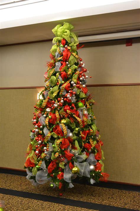 xmas tree decorating ideas  simple icicle light